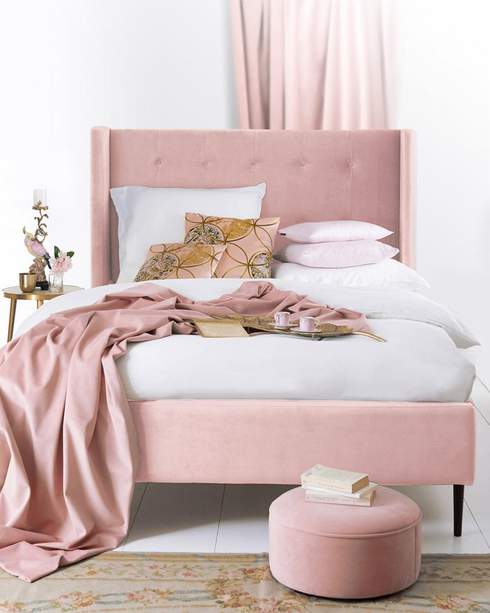Bed, legs in beech wood, bespoke