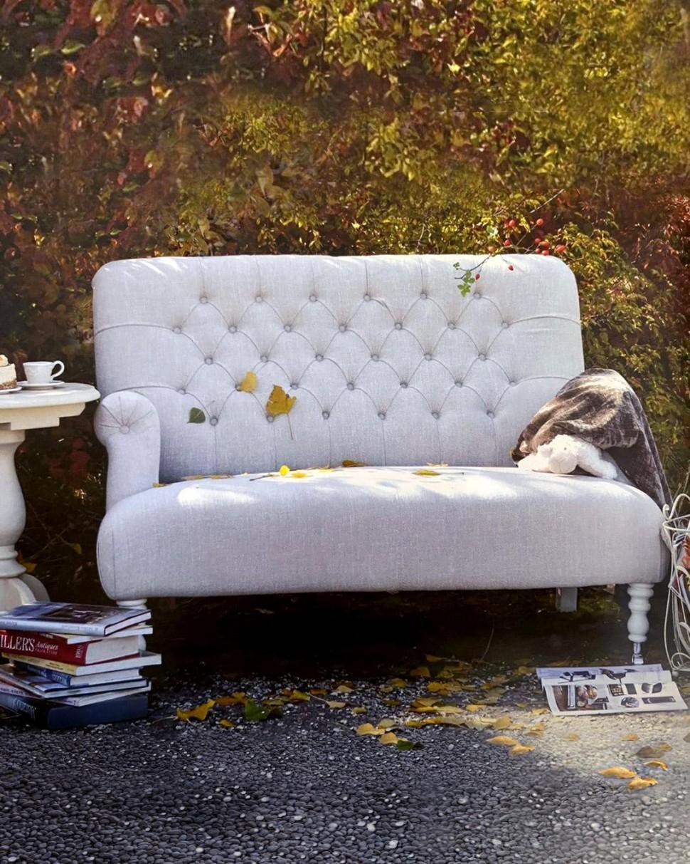 Sofa, castor legs in beech wood, bespoke